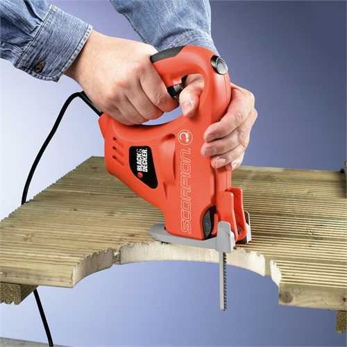 Black and Decker - Run pila Scorpion 400 W s napjecm kabelem - KS890EK